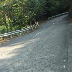 東都飯能CCの坂[成木]~油断したところでコンクリ舗装が姿を現す